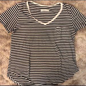 (A&F) Black & White Stripe T-shirt